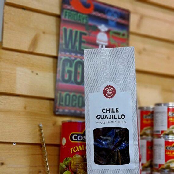Guajillo torkad chili med en viss syrlig ton påminner om tranbär slät och fin passar perfekt i beef chili grytan för genuin texmex mat med lagom hetta