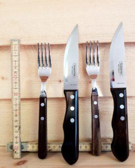Tramontina Jumbo grillknivar med matchande gafflar. Tål maskindisk.