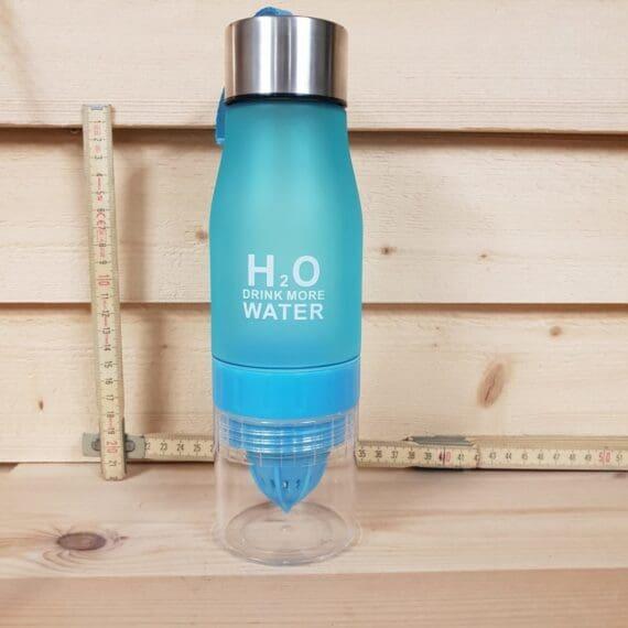 Vattenflaska med inbyggd juicepress, gör ditt eget smaksatta vatten av kranvatten.