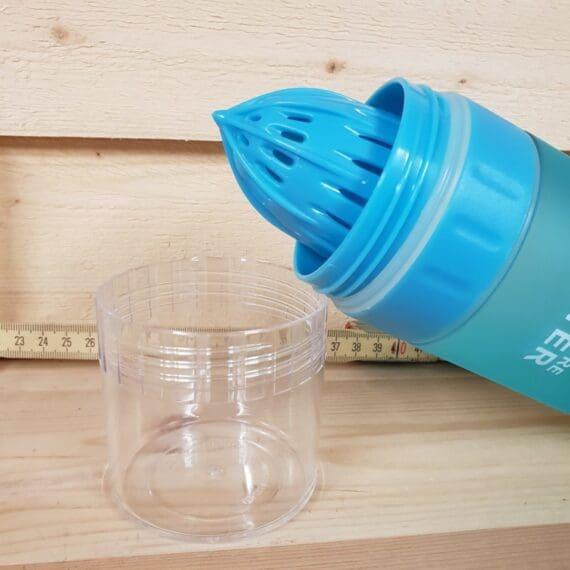 Vattenflaska med inbyggd juicepress, gör ditt eget smaksatta vatten