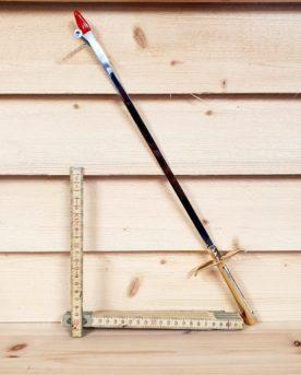 Snyggaste grillspettet platta grillspett har formen av ett svärd eller värja