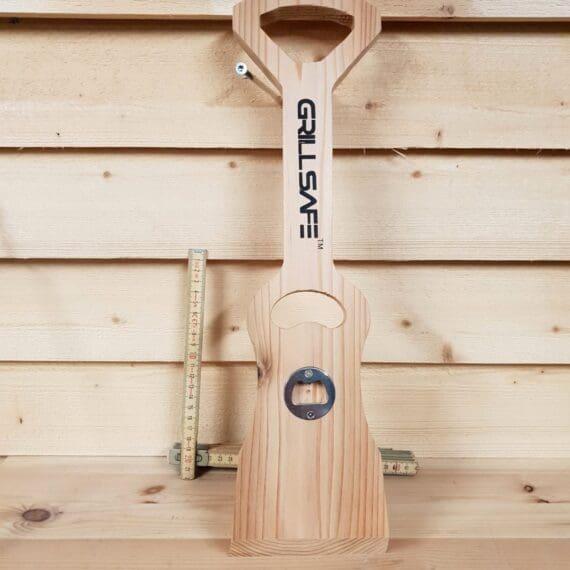 Grillskrapa i trä, wooden bbq scraper, wood scraper with opener, rengöra grillgaller, rengöra emaljerade galler