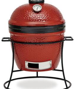 Kamado Jr är den ultimata kompakt grillen. En grill som går att köra BBQ i. Perfekt för sommarstugan, båten, balkongen eller som den ultimata snabbgrillen för att bränna av (searing) kött som fått gå sous vide