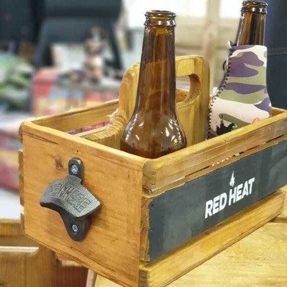 Låda för 6pack öl med kapsylöppnare