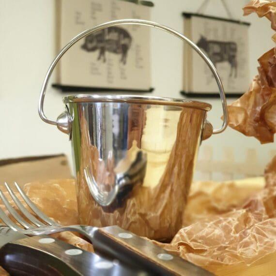 Spann i miniatyr för servering av exempelvis Pommes och Fries. Ädelstål, rostfritt
