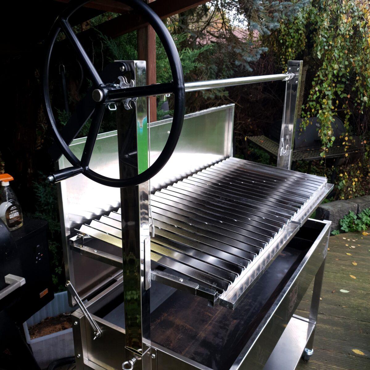 Santa Maria style Grill med hiss och V galler115cmx52cm