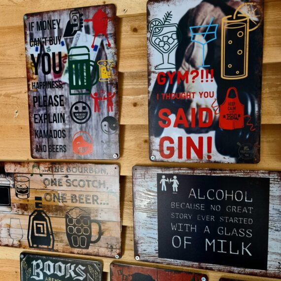 Uteköks dekoration tavla för uteköketTin signs tin sign metal sign Grilltavlor vintage metal poster metalposter grilltavla tavla för grillaren perfekta presenten till matlagnings entusiasten livsnjutaren som gillar grillning och BBQ kan mycket väl vara en eller par stycken dekorativa vintage metalltavlor tavlor i metall med budskap visdomsord grillrecept på tavla tavla gin beer öl whisky bourbon tavla för grillaren köket tavla med styckschema styckningsschema metalltavla hållbar utetavla tavla som kan hänga utomhus matlagningstavla no hot tub hanky panky talva sjuk humor svart humor på tavla roliga tavlor för köket bbqtavla grilltavla spikas enkelt upp på väggen med två eller fyra spik tavla best pizza tavla hunter tavla ribs tavla pulled pork tavla brisket recept matlagning foodie tavla i metall